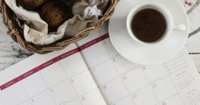 April Calendar-Your financial tasks